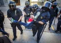 Forcejeo Mossos